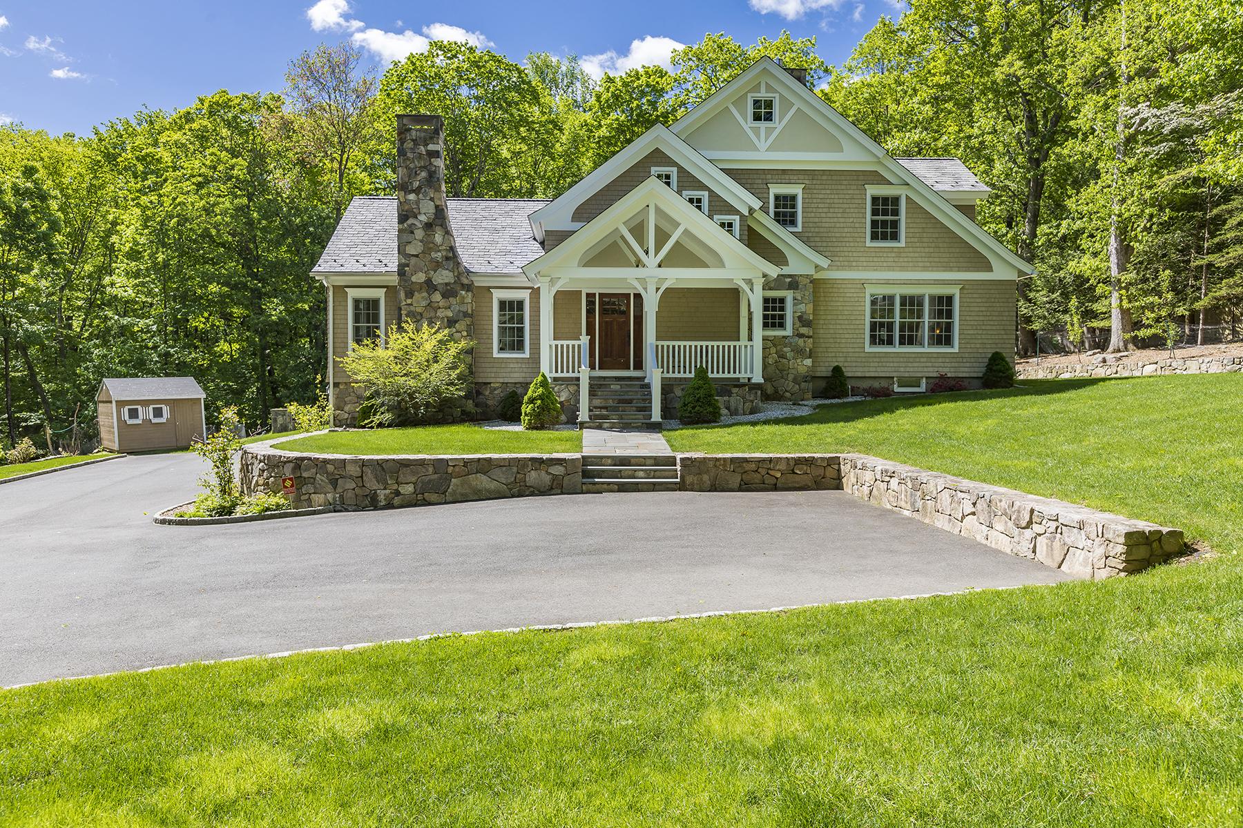 Single Family Homes för Försäljning vid Beautifully Finished & Detailed 44 Jeffro Drive, Ridgefield, Connecticut 06877 Förenta staterna