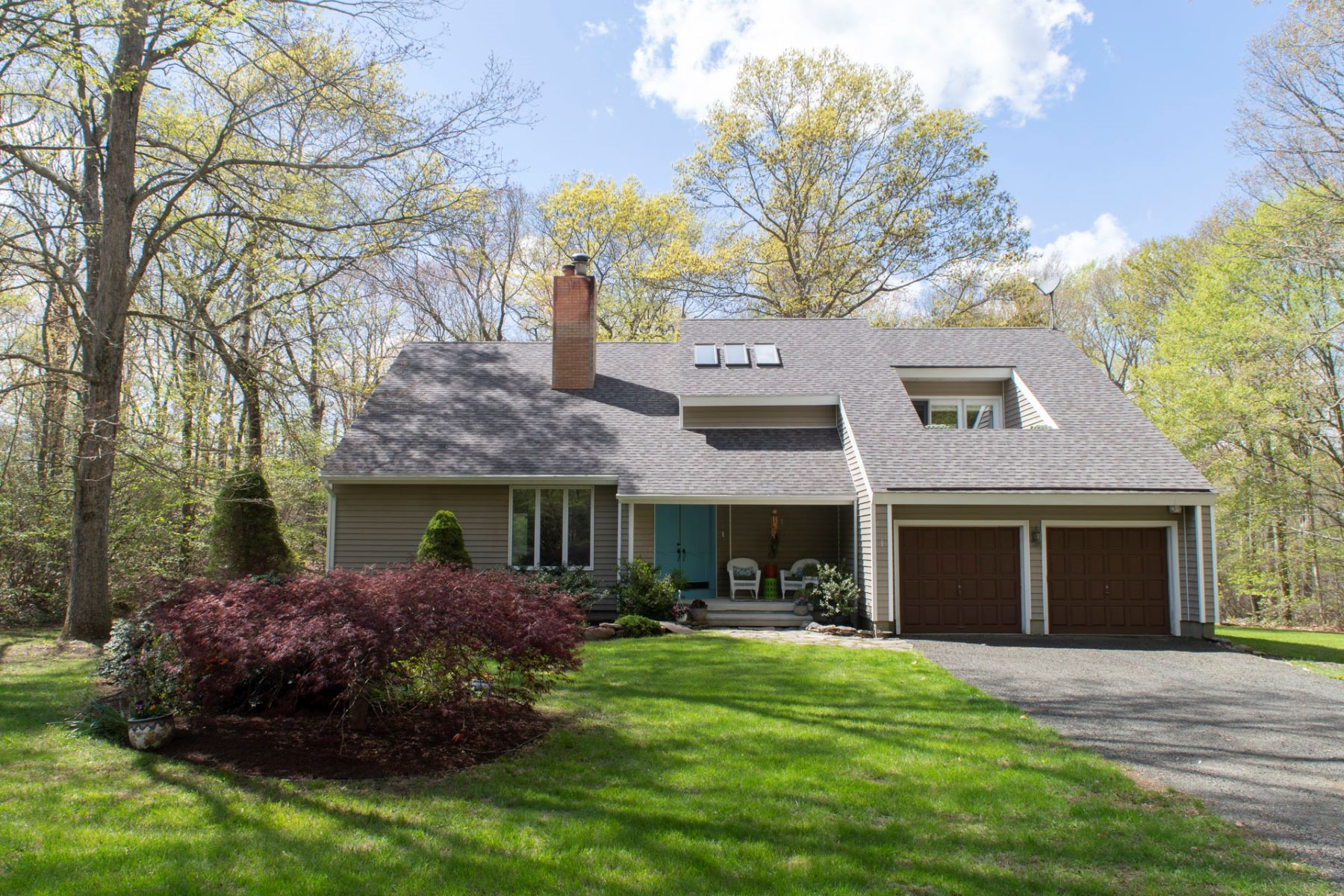 Single Family Homes for Sale at 15 Colonial Drive 15 Colonial Dr Killingworth, Connecticut 06419 United States