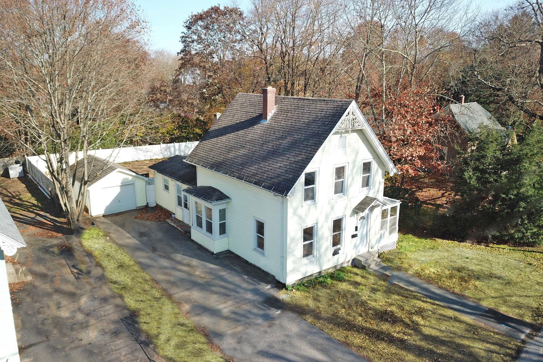Eensgezinswoning voor Verkoop op Recently Updated 22 Fairview Street, Windham, Connecticut 06226 Verenigde Staten