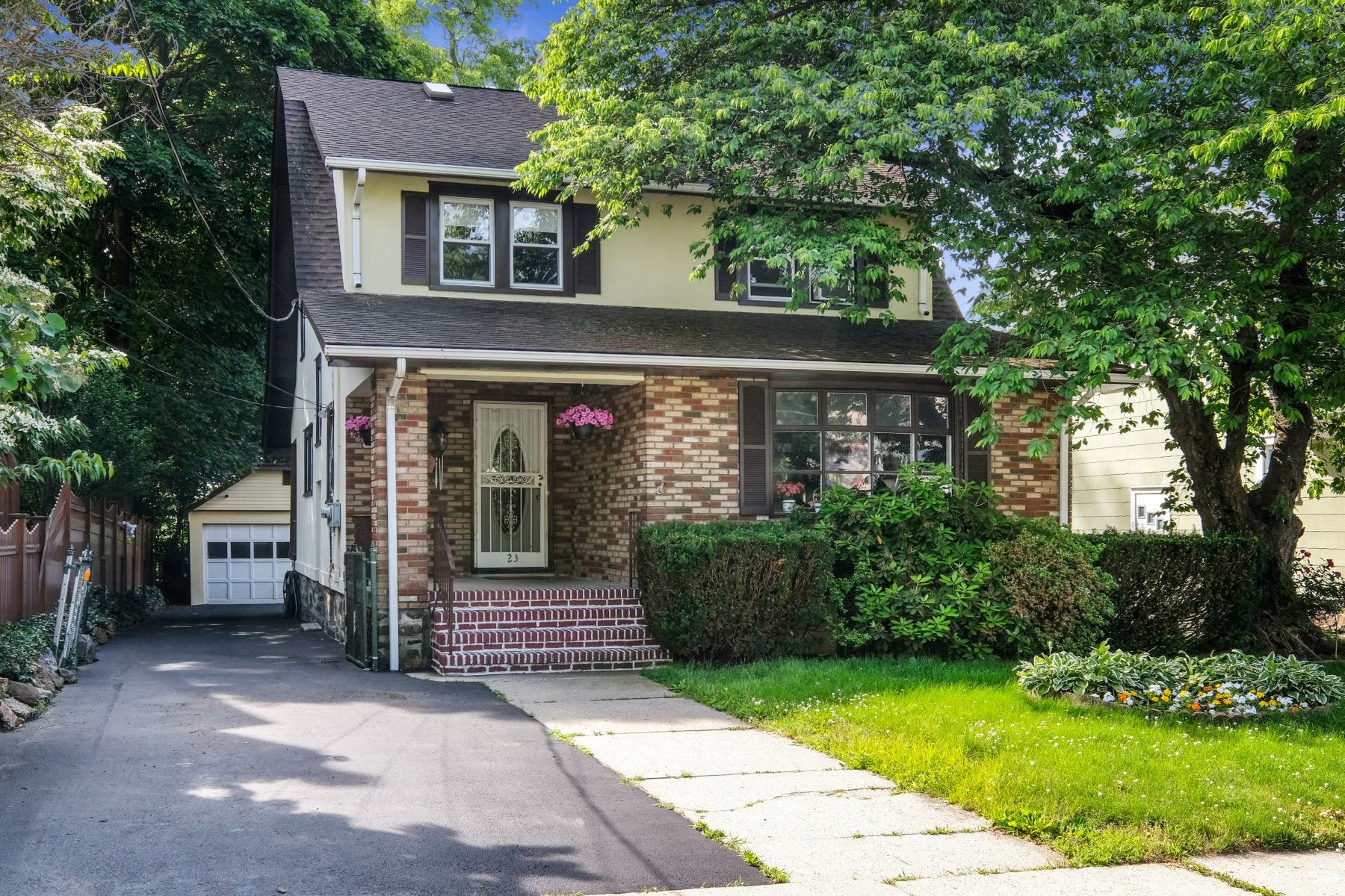 Single Family Homes for Active at 23 Clark Place 23 Clark Pl Port Chester, New York 10573 United States