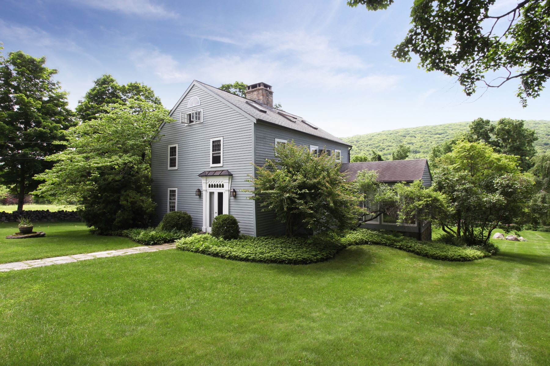 Casa Unifamiliar por un Venta en The Samuel Hill House 64 Cherniske New Milford, Connecticut 06776 Estados Unidos