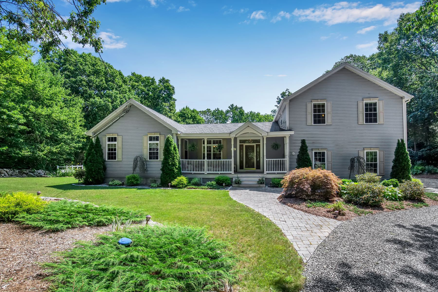 Single Family Homes for Sale at 94 Long Hill Road Clinton, Connecticut 06413 United States
