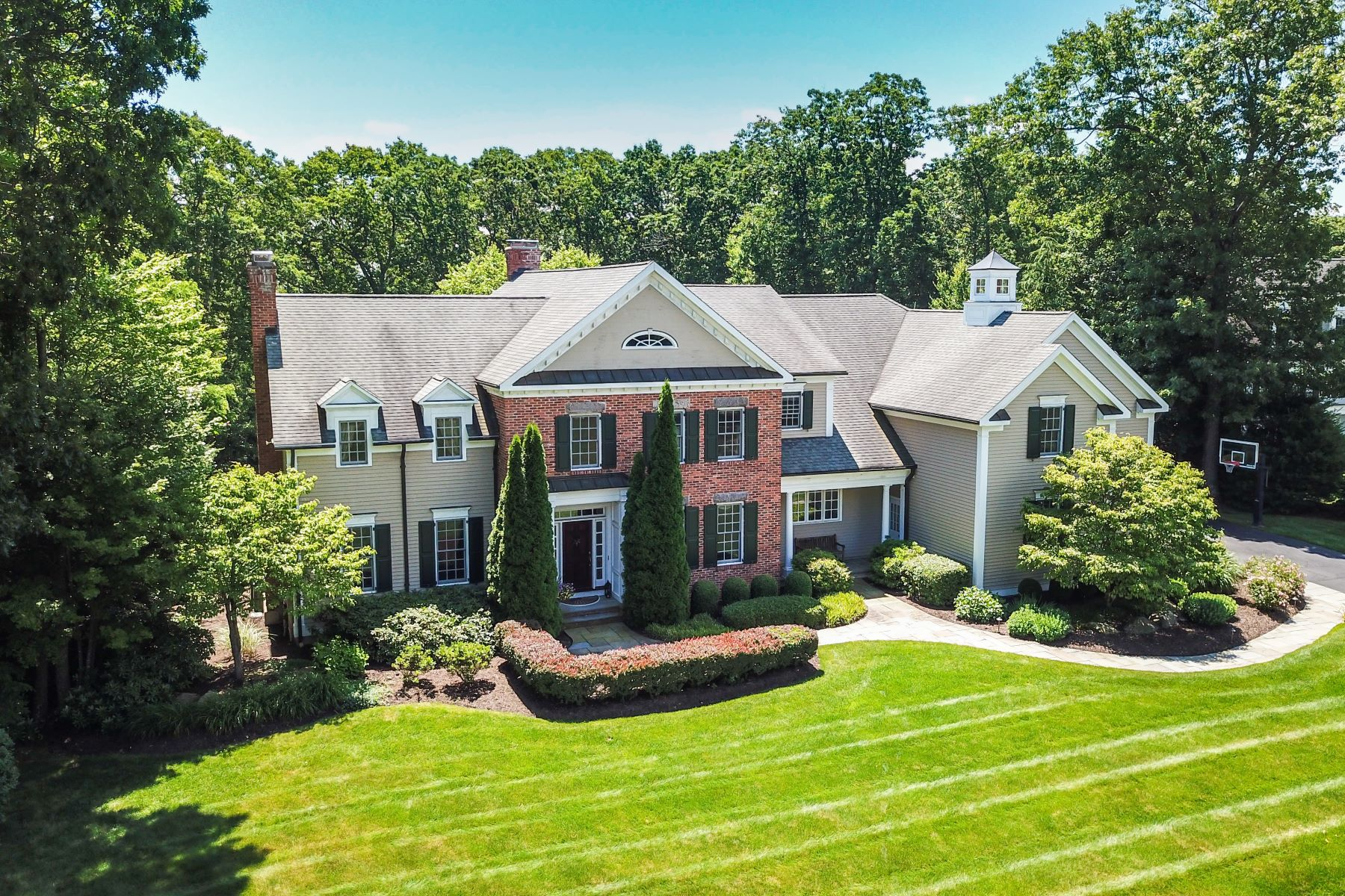 Single Family Homes للـ Sale في Avon, Connecticut 06001 United States