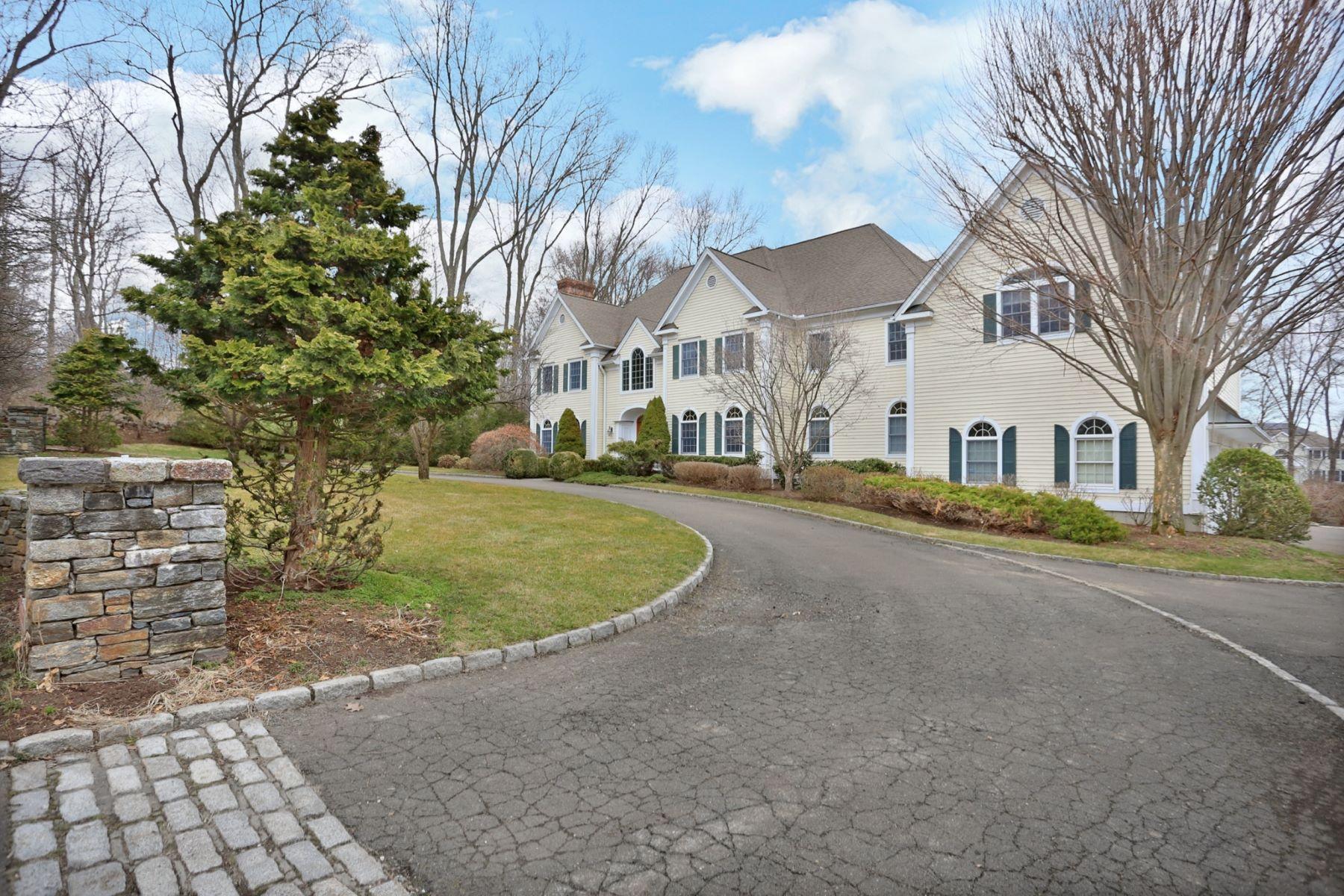 独户住宅 为 销售 在 18 Pine Ridge Road 18 Pine Ridge Road 威尔顿, 康涅狄格州 06897 美国