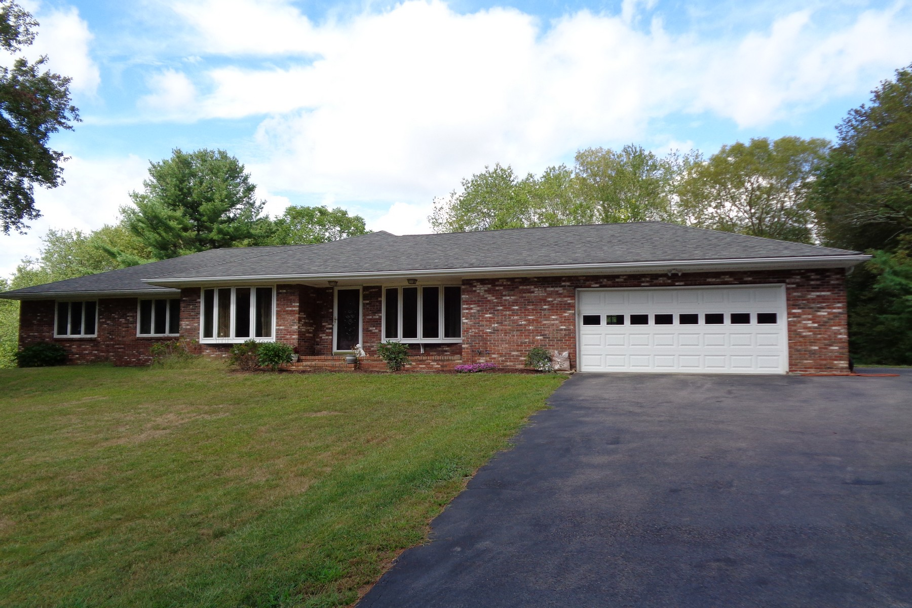 Single Family Home for Sale at Spacious Ranch 377 Providence New London Turnpike North Stonington, Connecticut 06359 United States