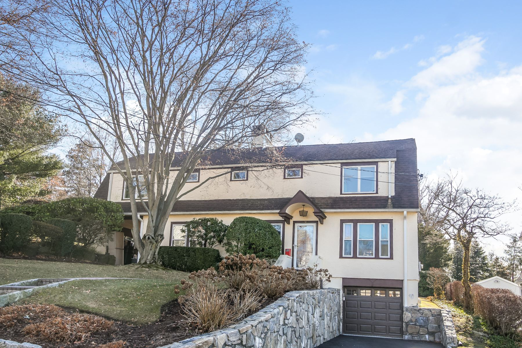 Single Family Home for Sale at Sunny Manor Woods Home 72 Lawton Avenue Hartsdale, New York 10530 United States
