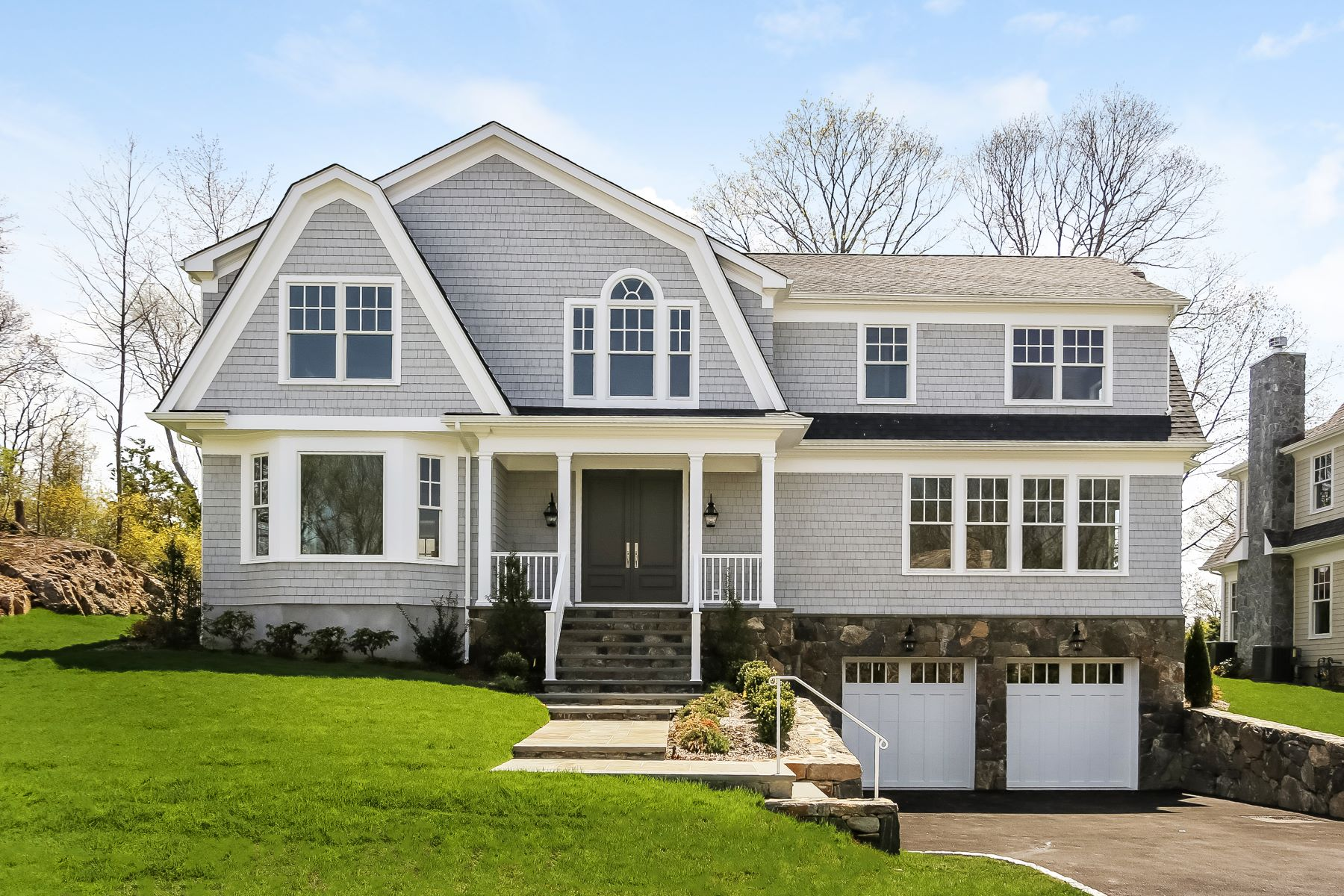 Single Family Homes for Active at 3 Gray Rock Drive Harrison, New York 10528 United States