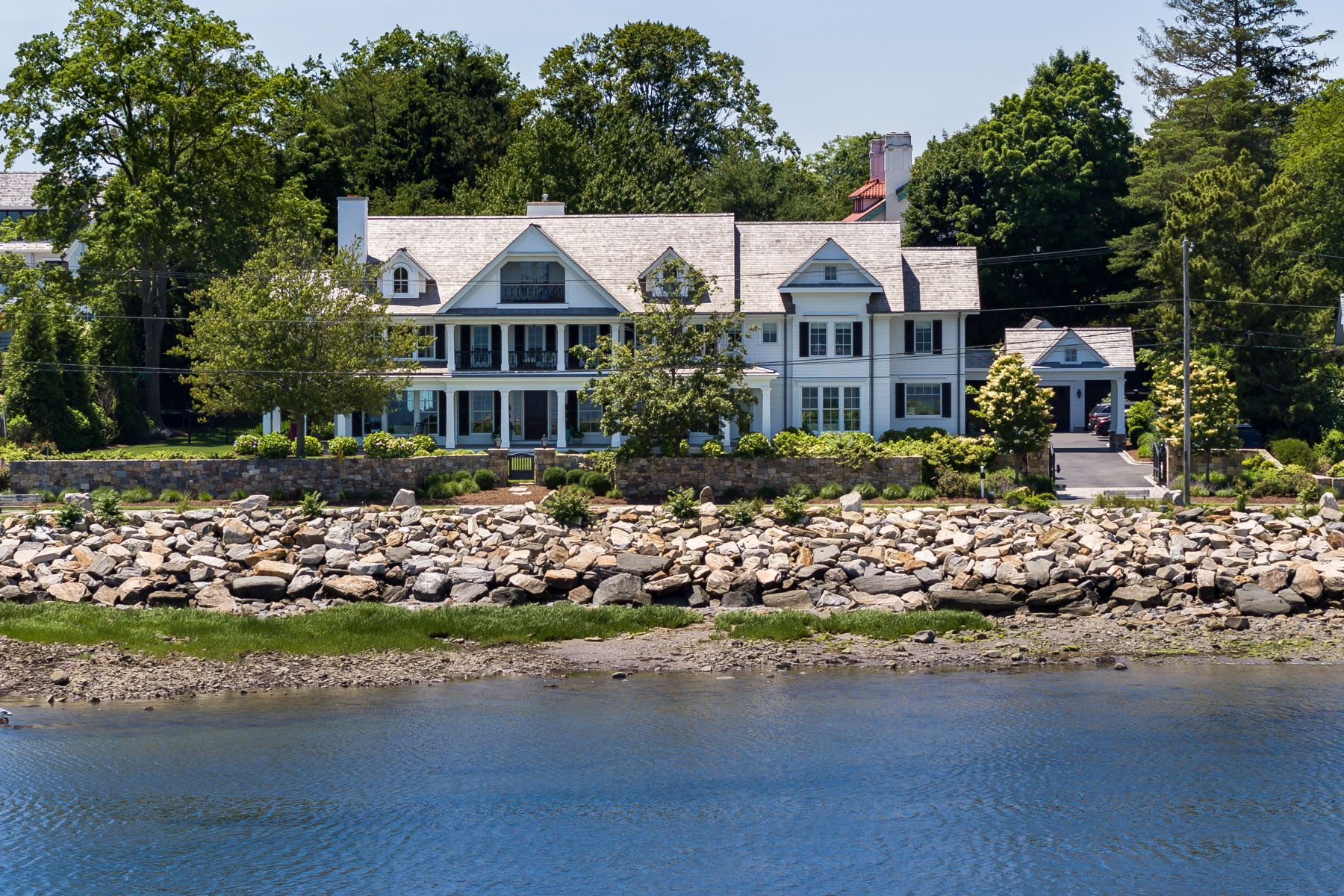 Single Family Homes for Sale at The Ultimate in Casually Elegant Living 264 Hillspoint Road Westport, Connecticut 06880 United States