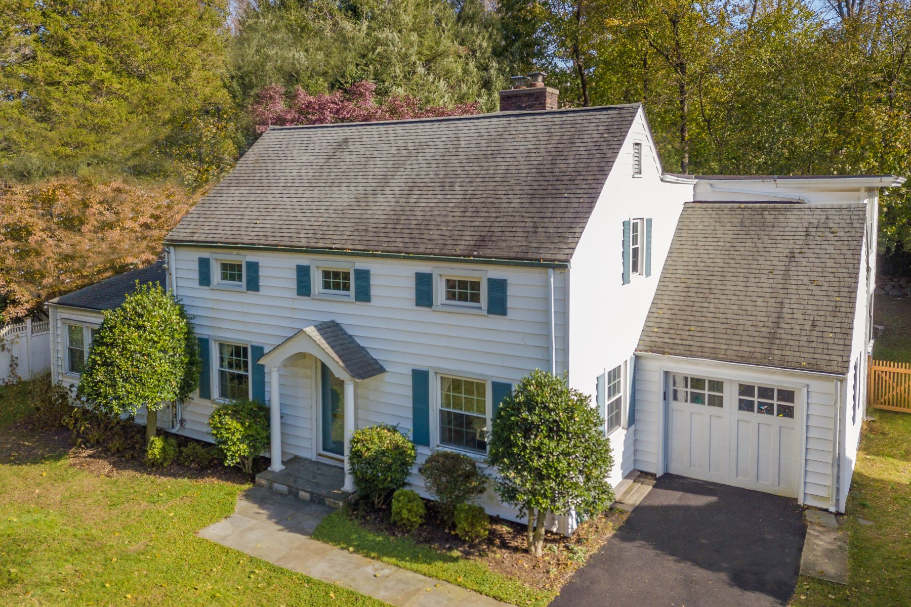 Single Family Homes for Sale at 14 River Lane Greenwich, Connecticut 06807 United States