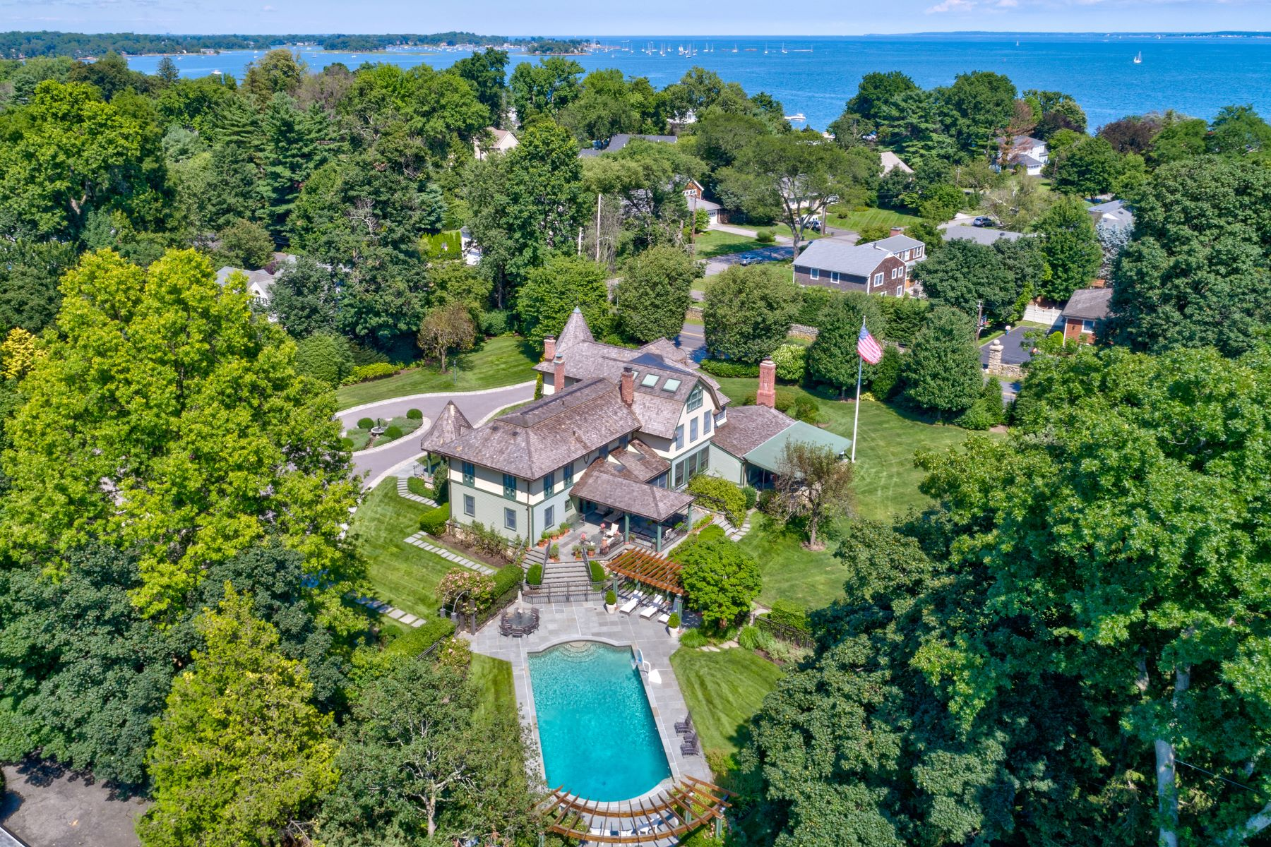 Single Family Homes for Active at 981 Orienta Avenue Mamaroneck, New York 10543 United States