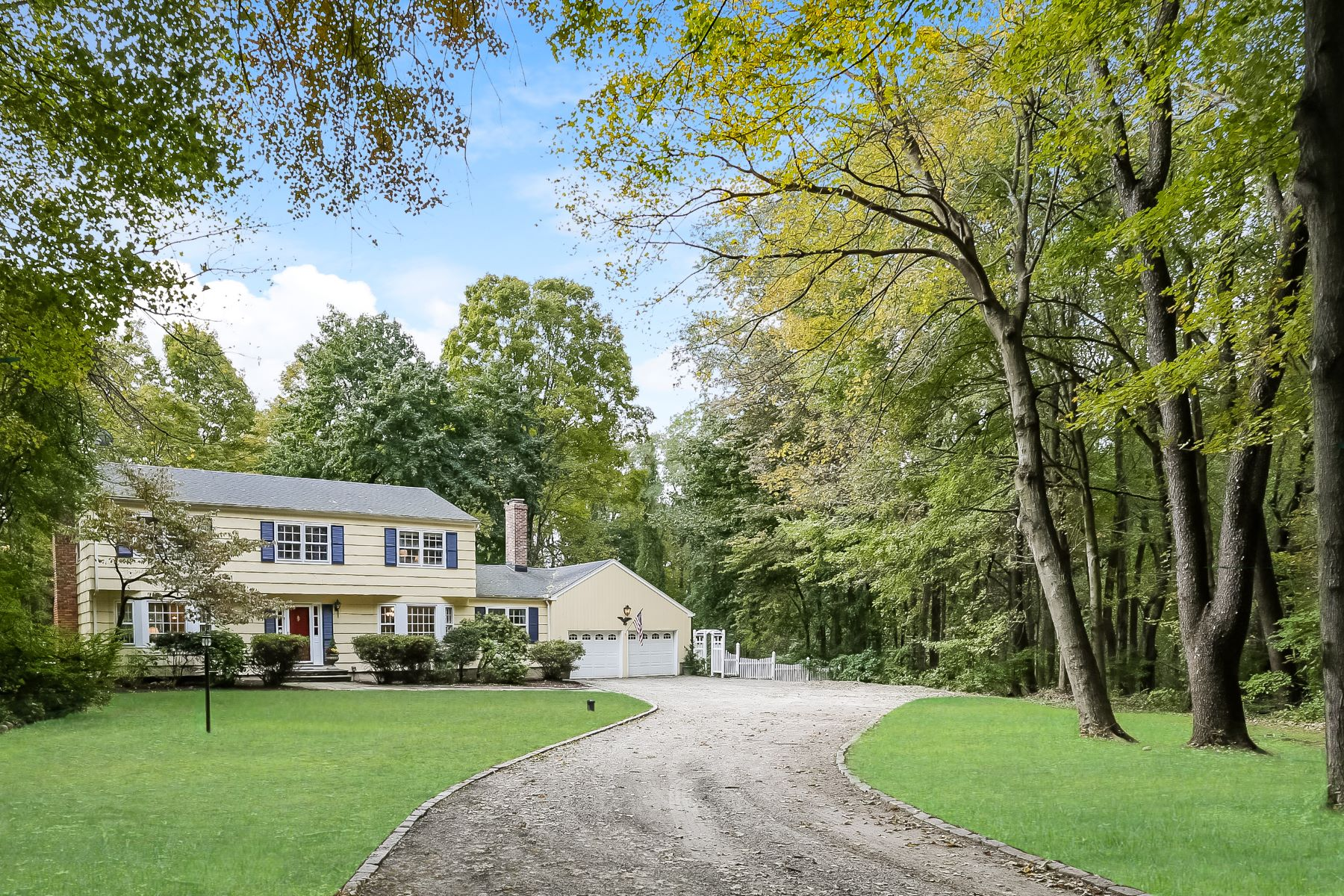 single family homes for Sale at Picture Perfect Colonial 33 Norfield Road, Weston, Connecticut 06883 United States