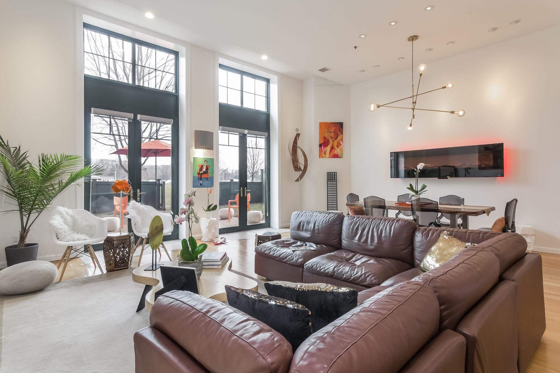 Appartement voor Verkoop op 1 Indian Neck Avenue 1 Indian Neck Avenue 2, Branford, Connecticut 06405 Verenigde Staten