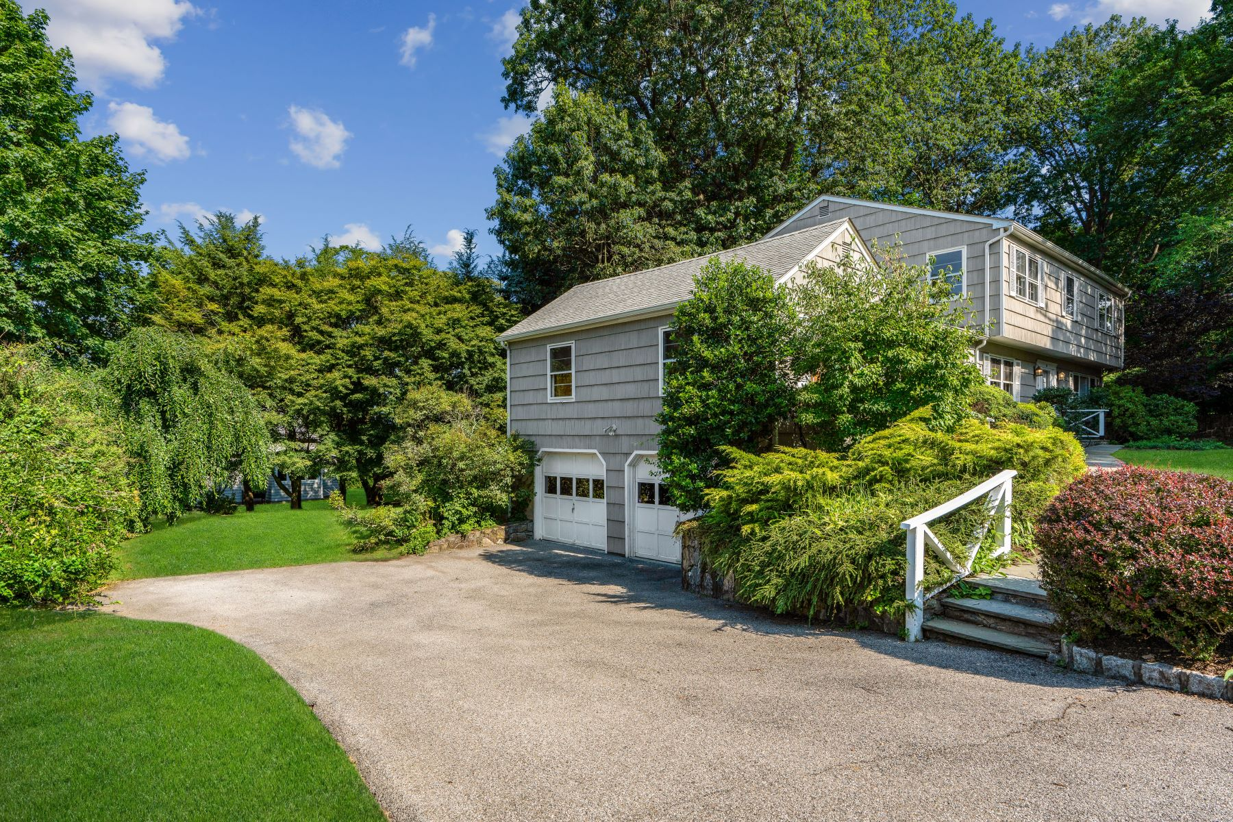 Single Family Homes for Active at Center Hall Colonial 10 River Terrace Tarrytown, New York 10591 United States