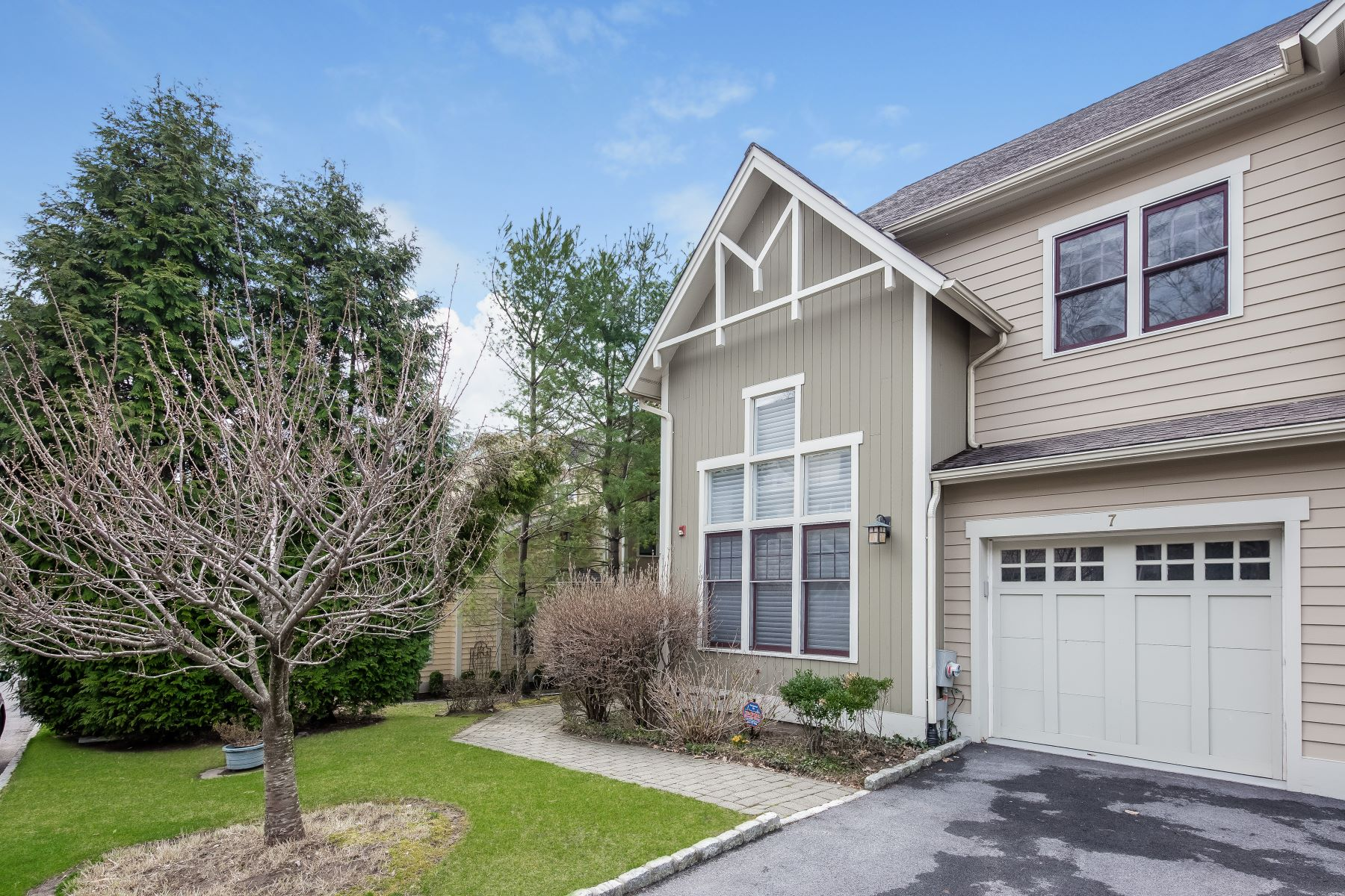 Single Family Homes for Sale at Luxury Town House Community 7 Hudson Drive Dobbs Ferry, New York 10522 United States