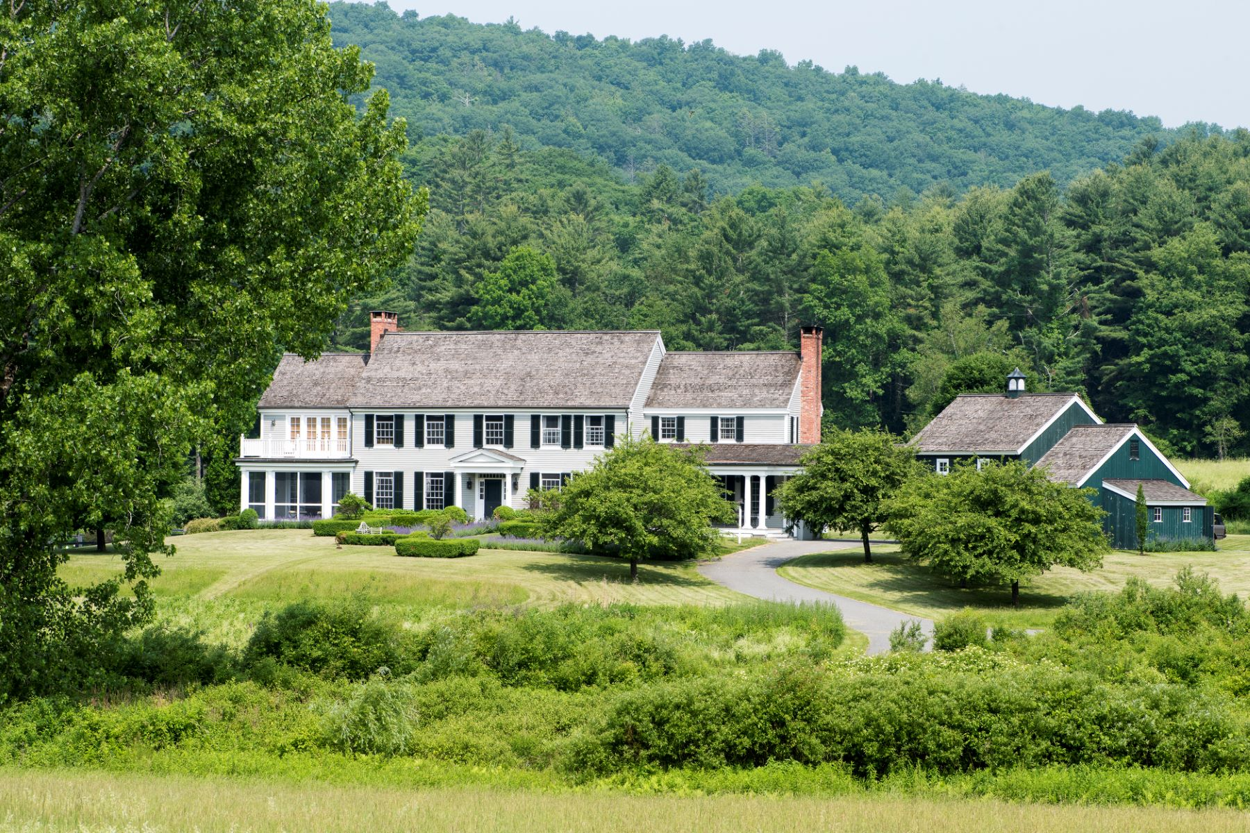 Single Family Homes のために 売買 アット Private Country Estate 44 Dugway Road, Salisbury, コネチカット 06039 アメリカ