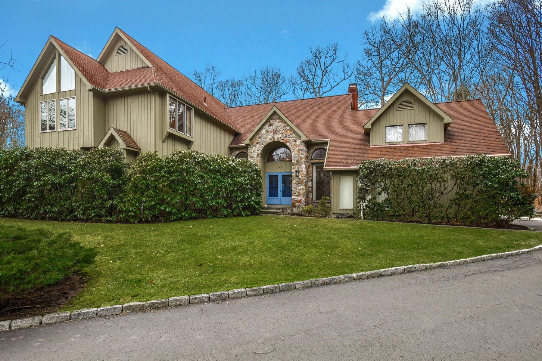 Single Family Homes für Verkauf beim Lovely Contemporary-Colonial Located in Devil's Den 94 Catbrier Road, Weston, Connecticut 06883 Vereinigte Staaten