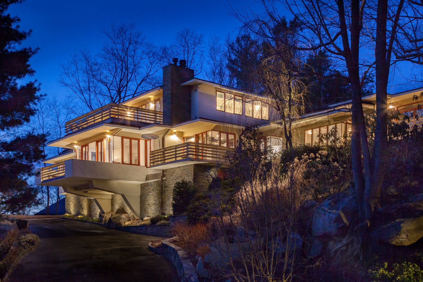 Single Family Homes for Active at Welcome To 1 Governors Road 1 Governors Road Bronxville, New York 10708 United States