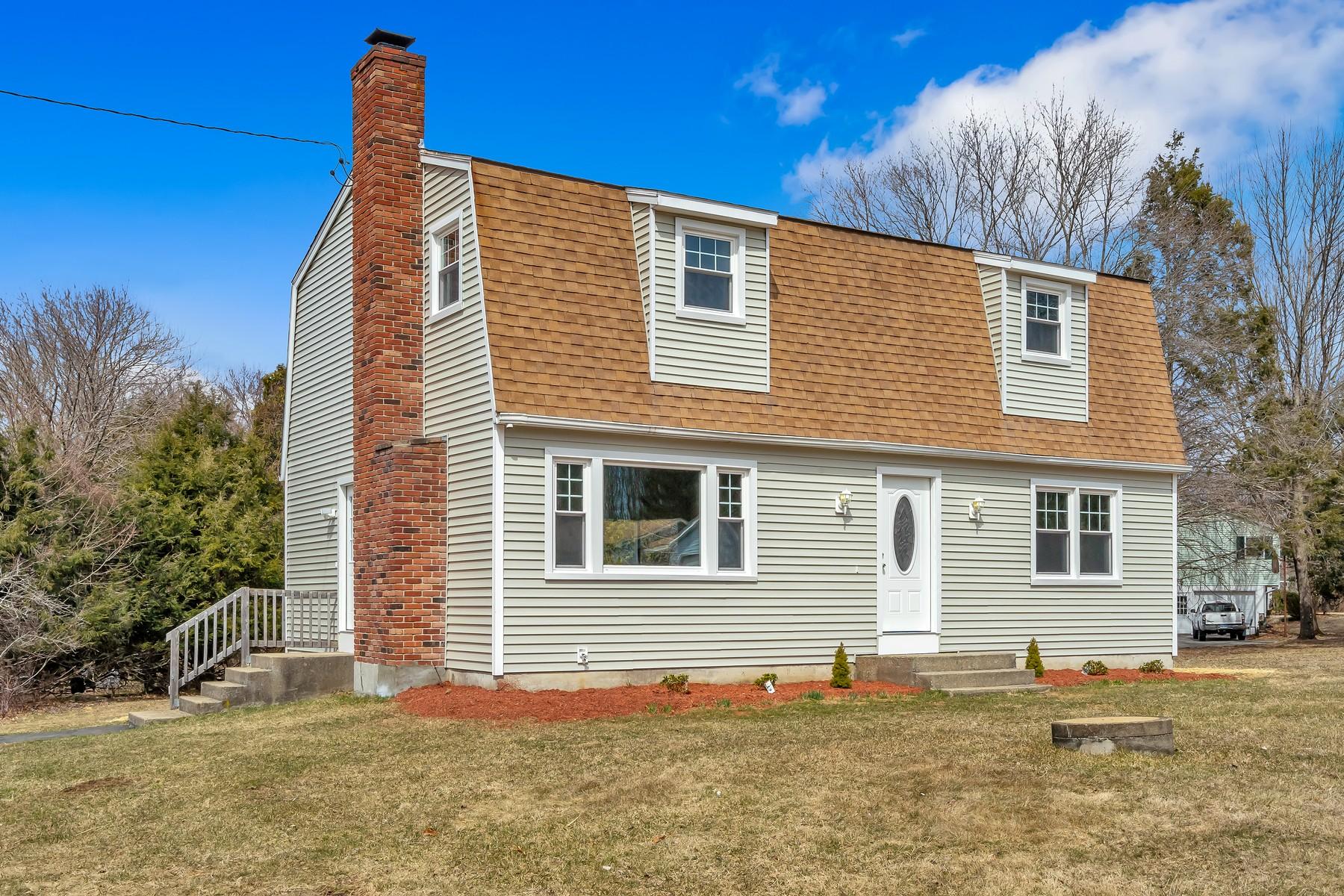 Eensgezinswoning voor Verkoop op Meticulously Renovated 5 Victoria Drive, Colchester, Connecticut 06415 Verenigde Staten