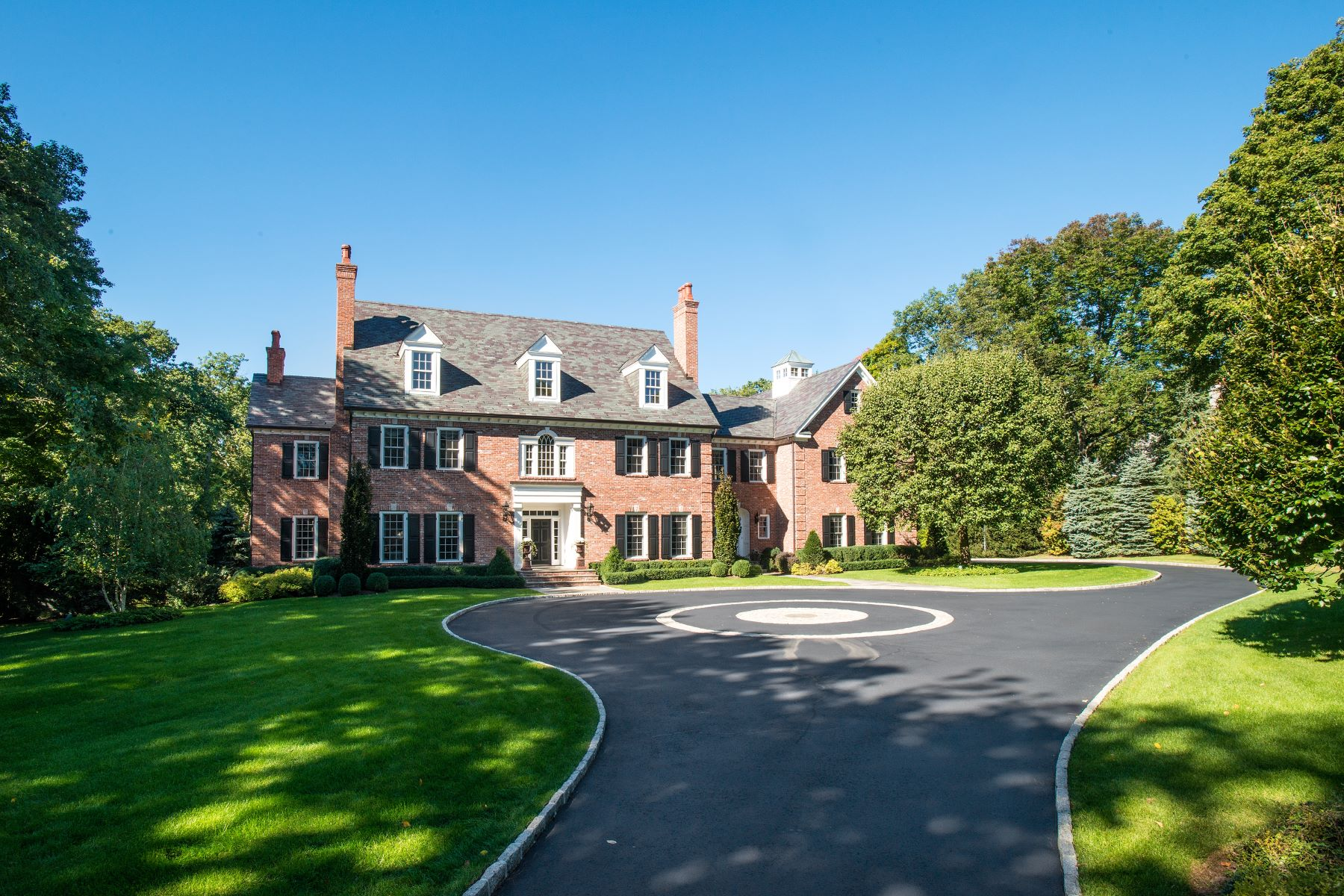Single Family Home for Sale at Sophisticated Elegance 494 Ponus Ridge New Canaan, Connecticut, 06840 United States