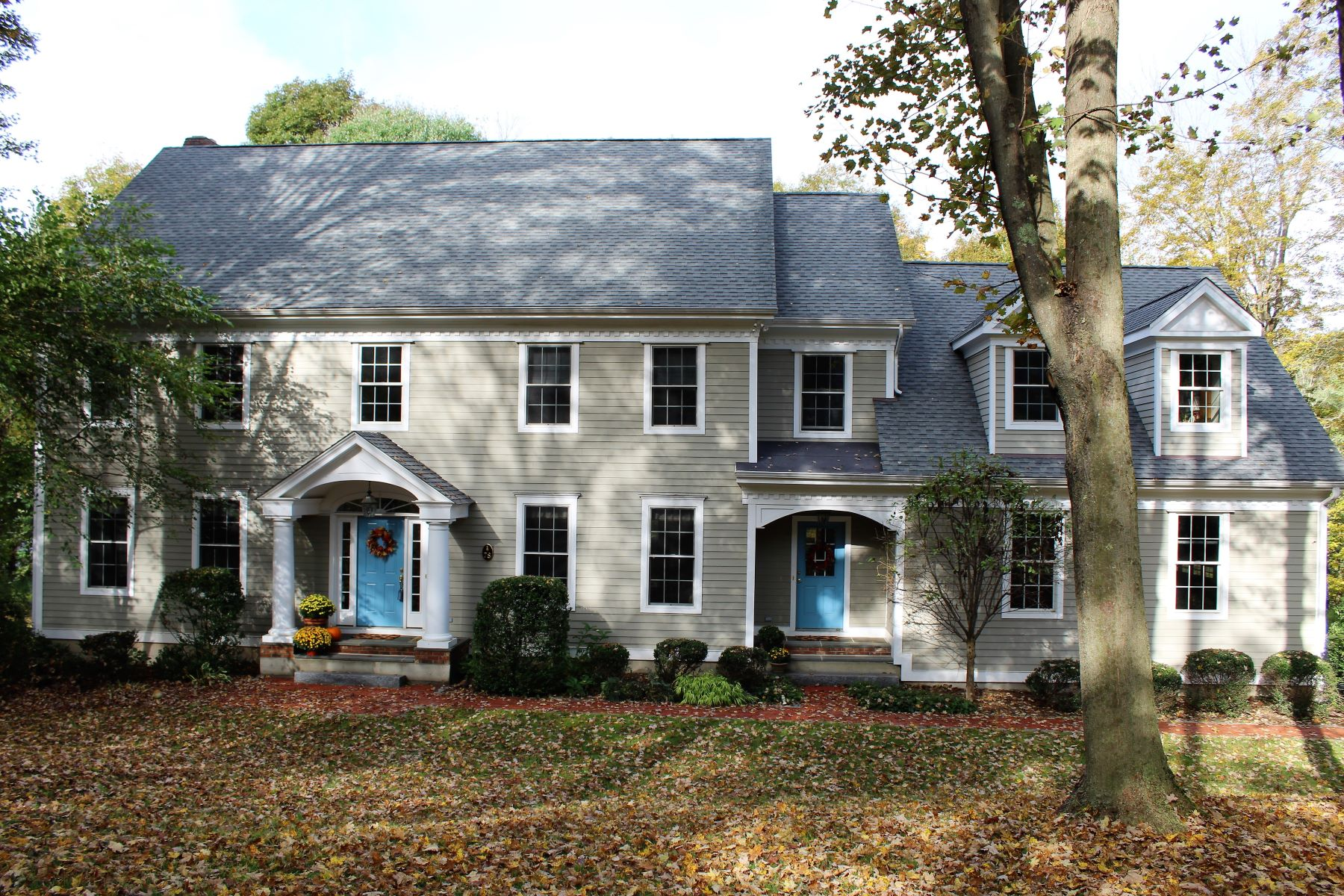 single family homes voor Verkoop op Unique Blend Of Sophistication and Charm 78 Wolfpits Road, Bethel, Connecticut 06801 Verenigde Staten