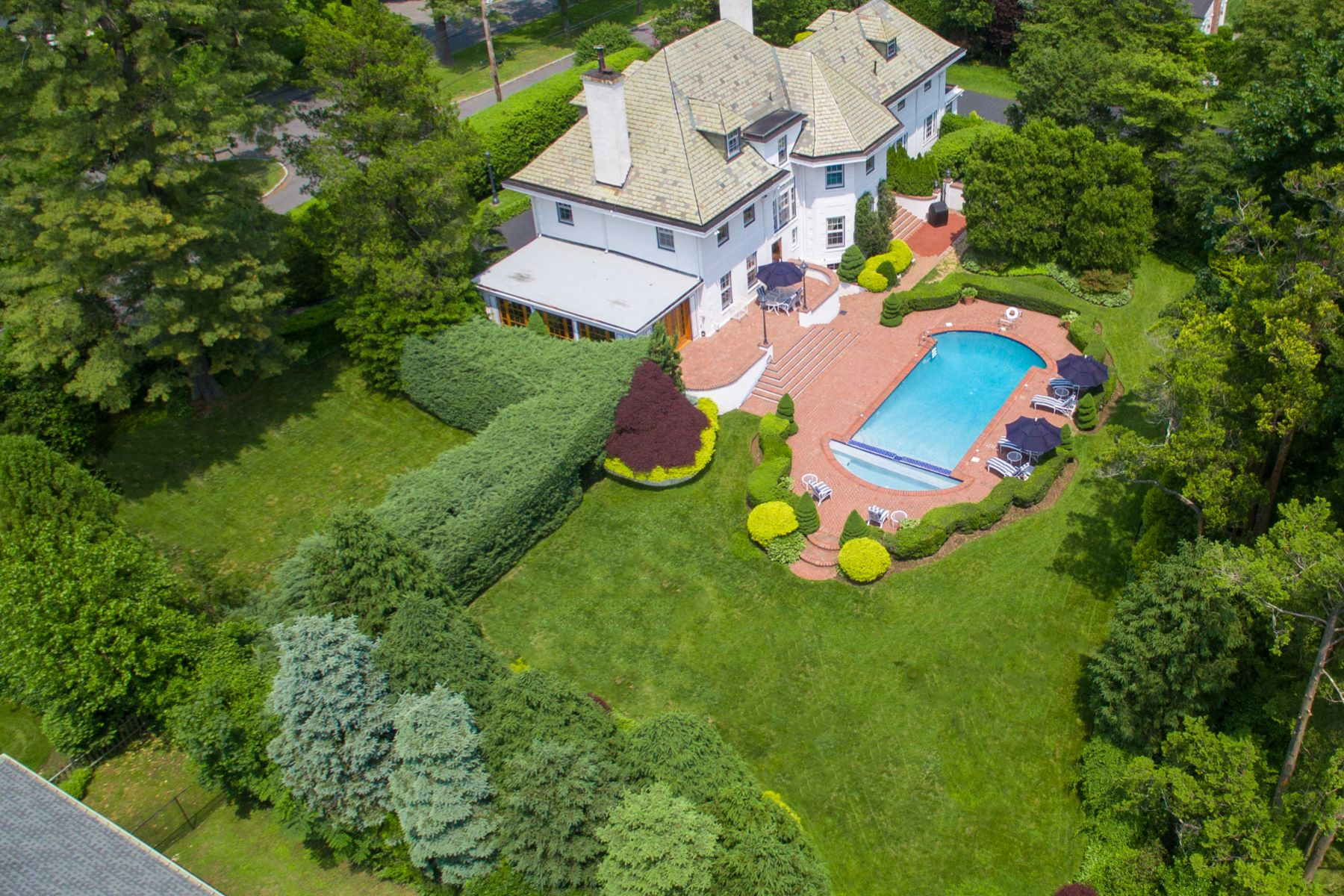 Single Family Homes for Active at Exquisite Center Hall Colonial 30 Penn Boulevard Scarsdale, New York 10583 United States