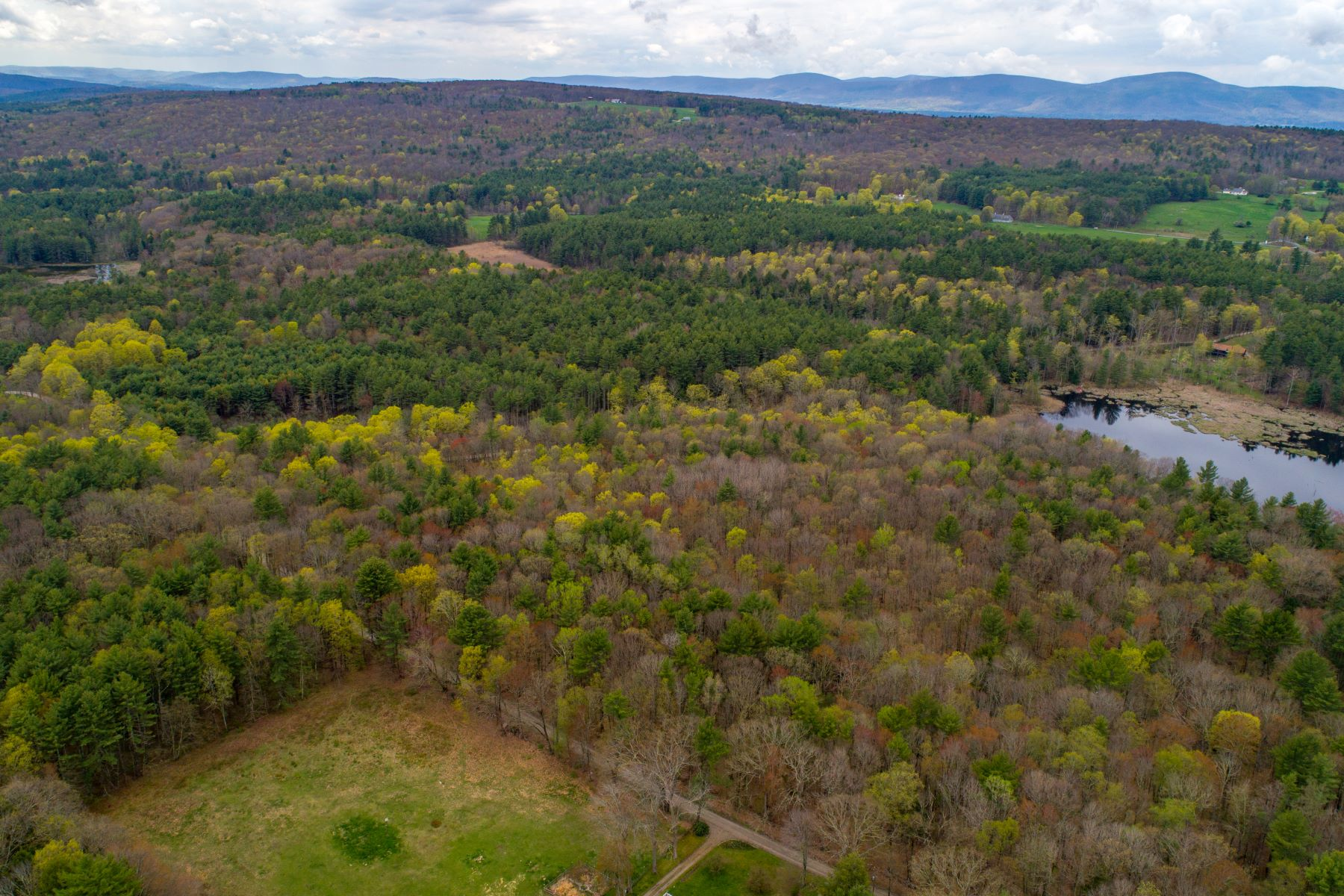Земля для того Продажа на Rare Private 73 Acre Land Parcel Old County Rd New Marlborough, Массачусетс, 01230 Соединенные Штаты