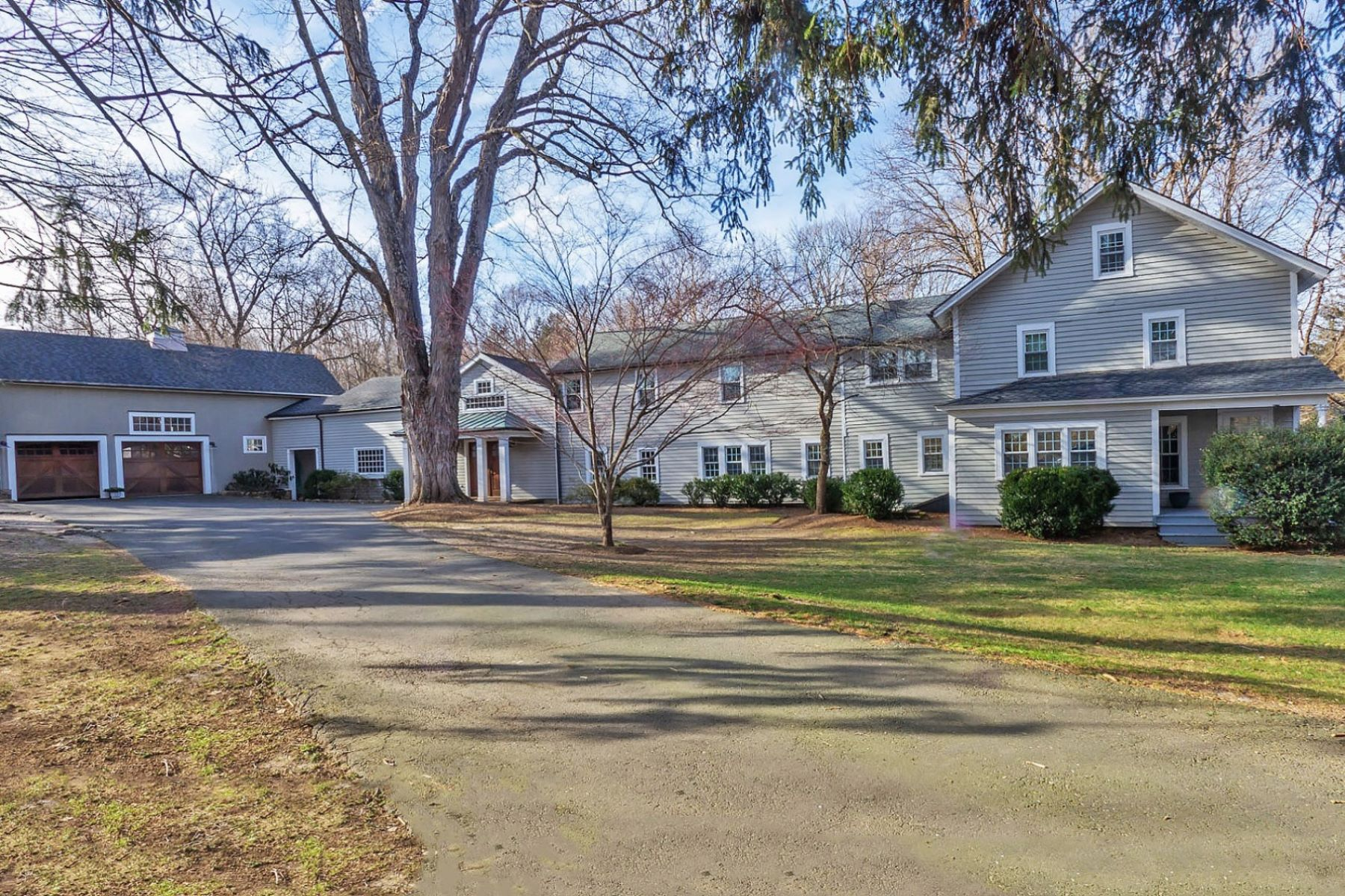 Single Family Home for Sale at 203 Ridgefield Road 203 Ridgefield Road Wilton, Connecticut 06897 United States