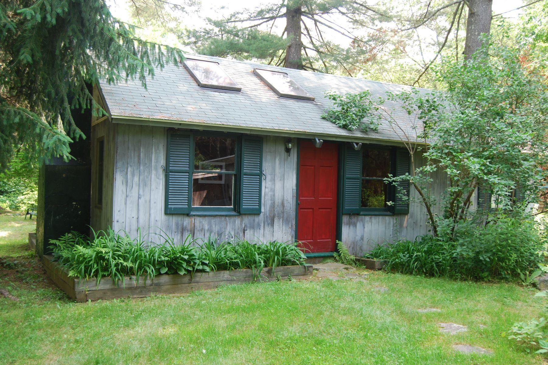 一戸建て のために 売買 アット Private & Serene Milton Cottage 21 Hubbard Pines, Litchfield, コネチカット, 06759 アメリカ合衆国