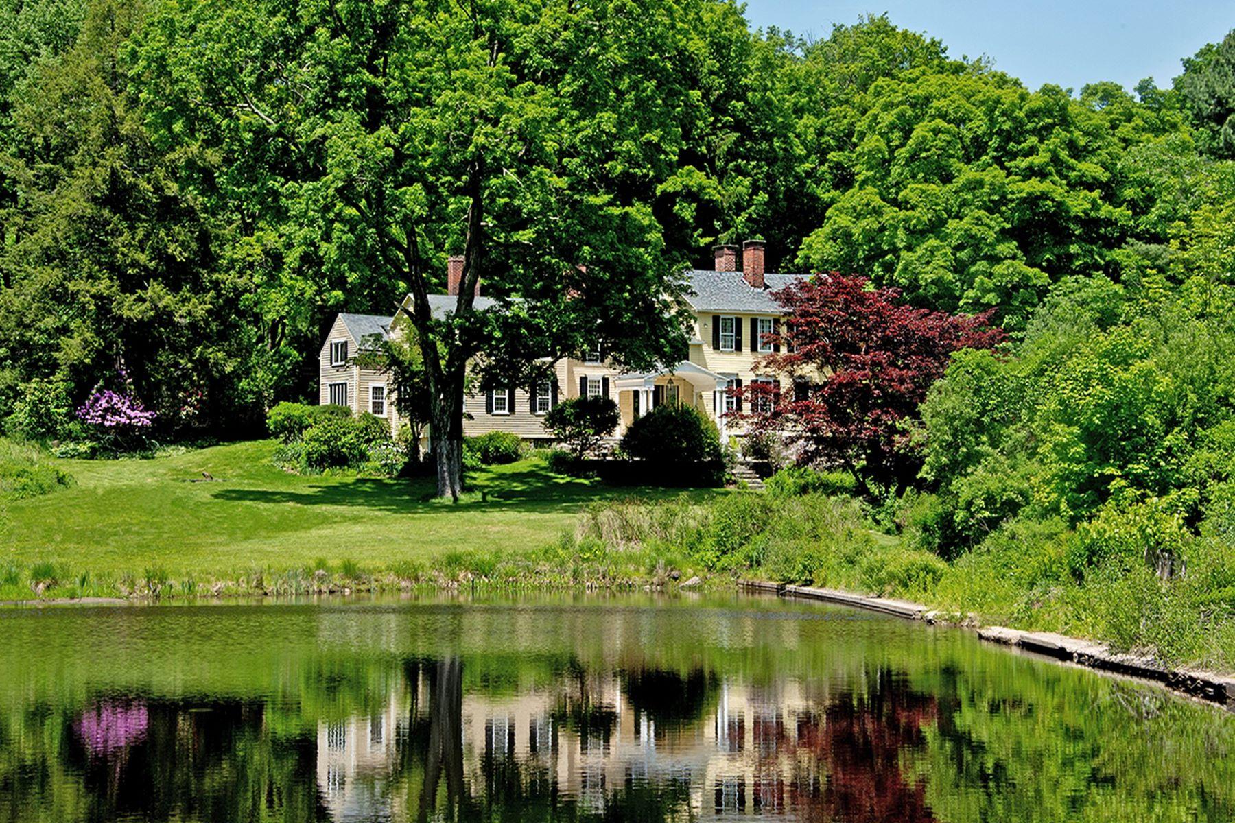 Tek Ailelik Ev için Satış at Historic Villard House 1206 Bassett Road Watertown, Connecticut, 06795 Amerika Birleşik Devletleri