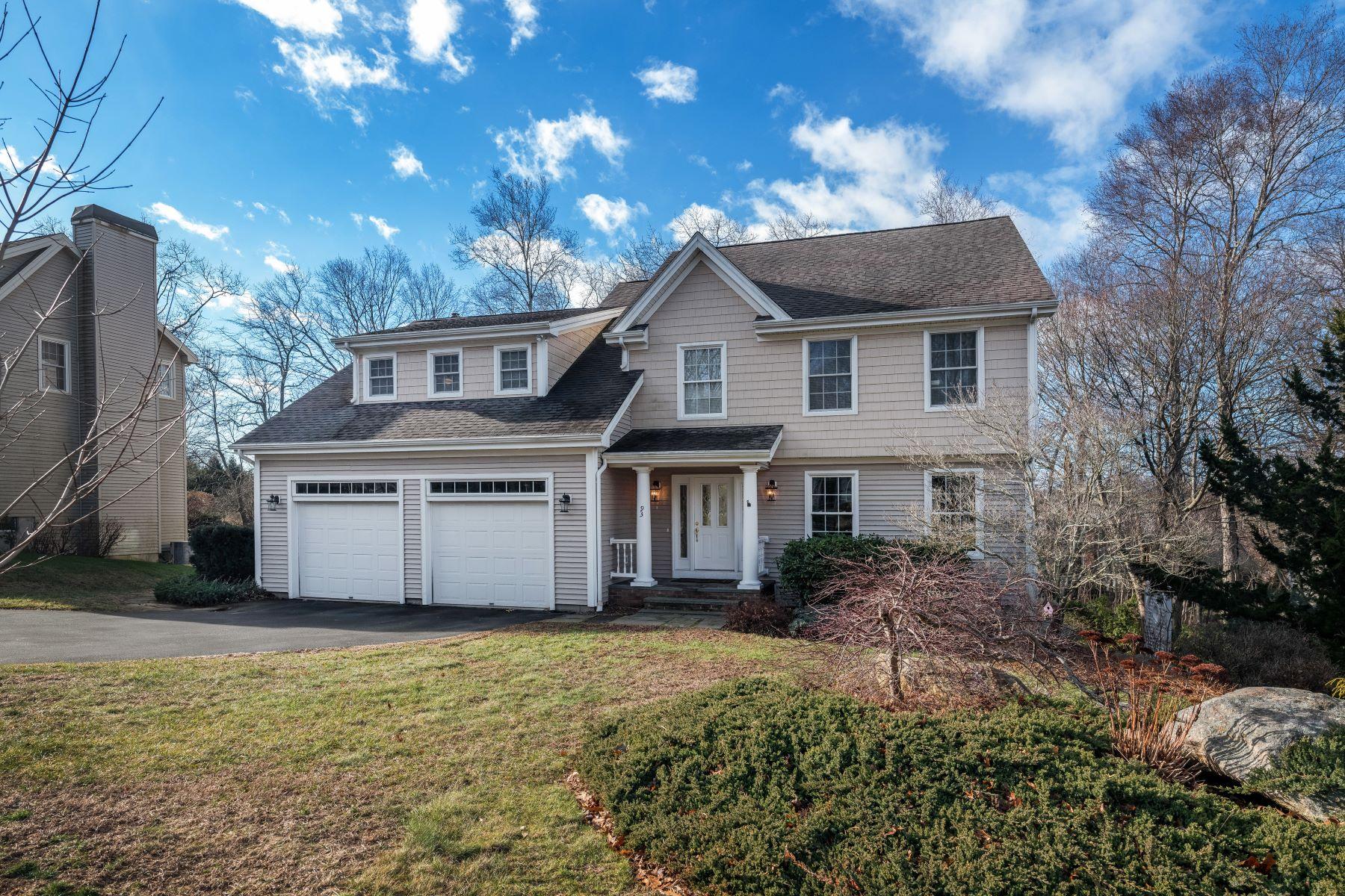 Eensgezinswoning voor Verkoop op 93 High Meadow Lane Groton, Connecticut 06355 Verenigde Staten