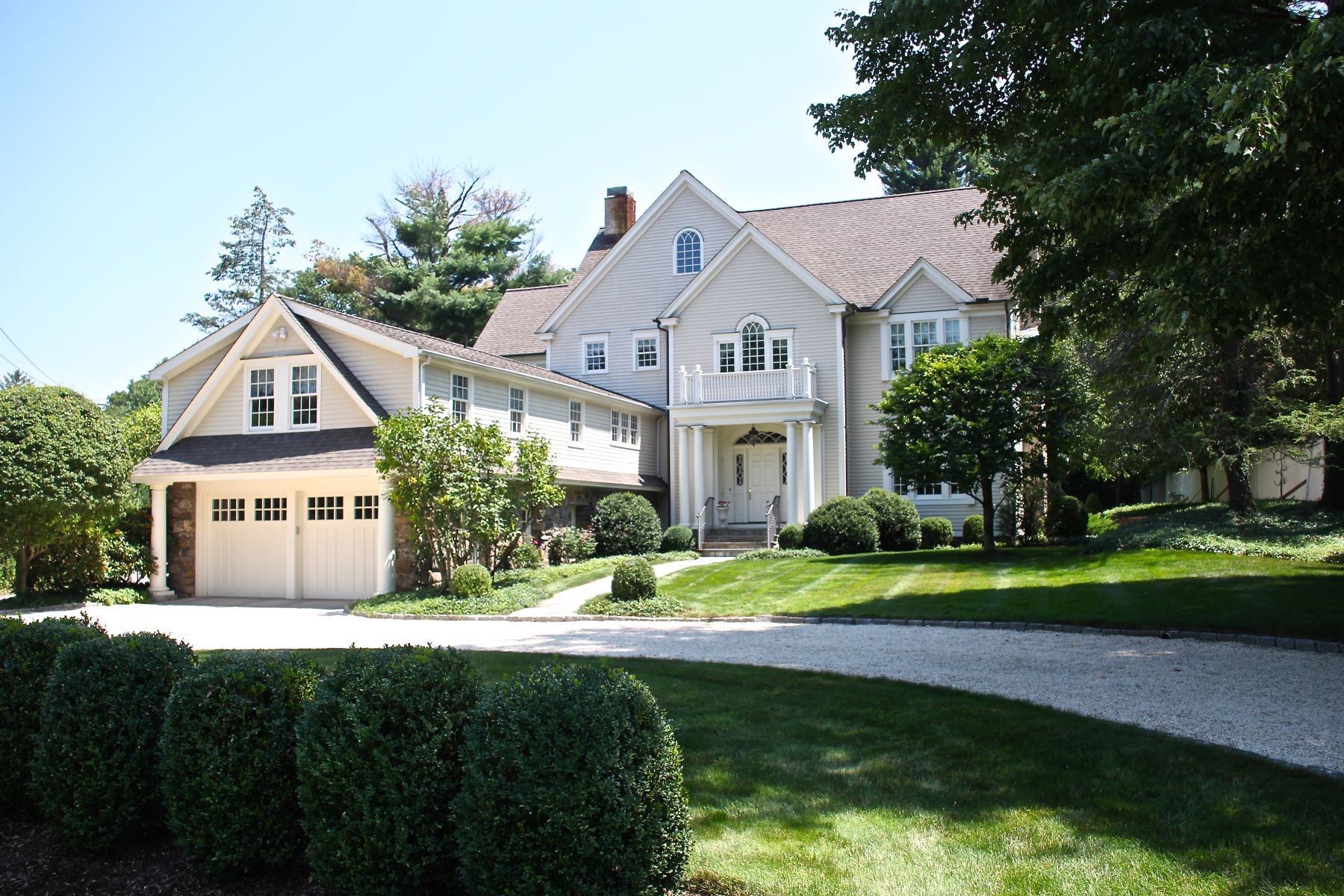 Single Family Homes for Sale at 17 Searles Road Darien, Connecticut 06820 United States