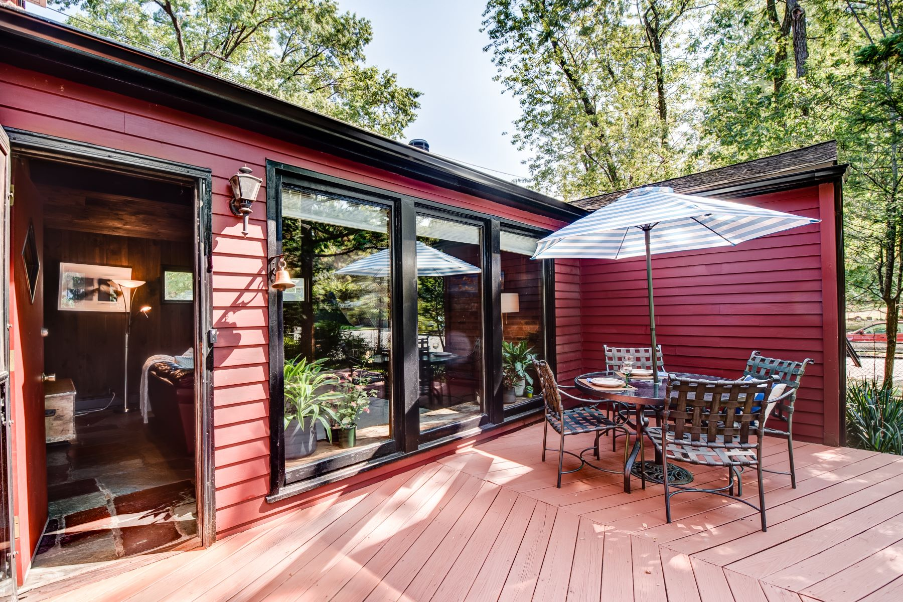 Single Family Homes for Sale at Stunning Mid-Century Capecod 61 Rosedale Avenue Hastings On Hudson, New York 10706 United States