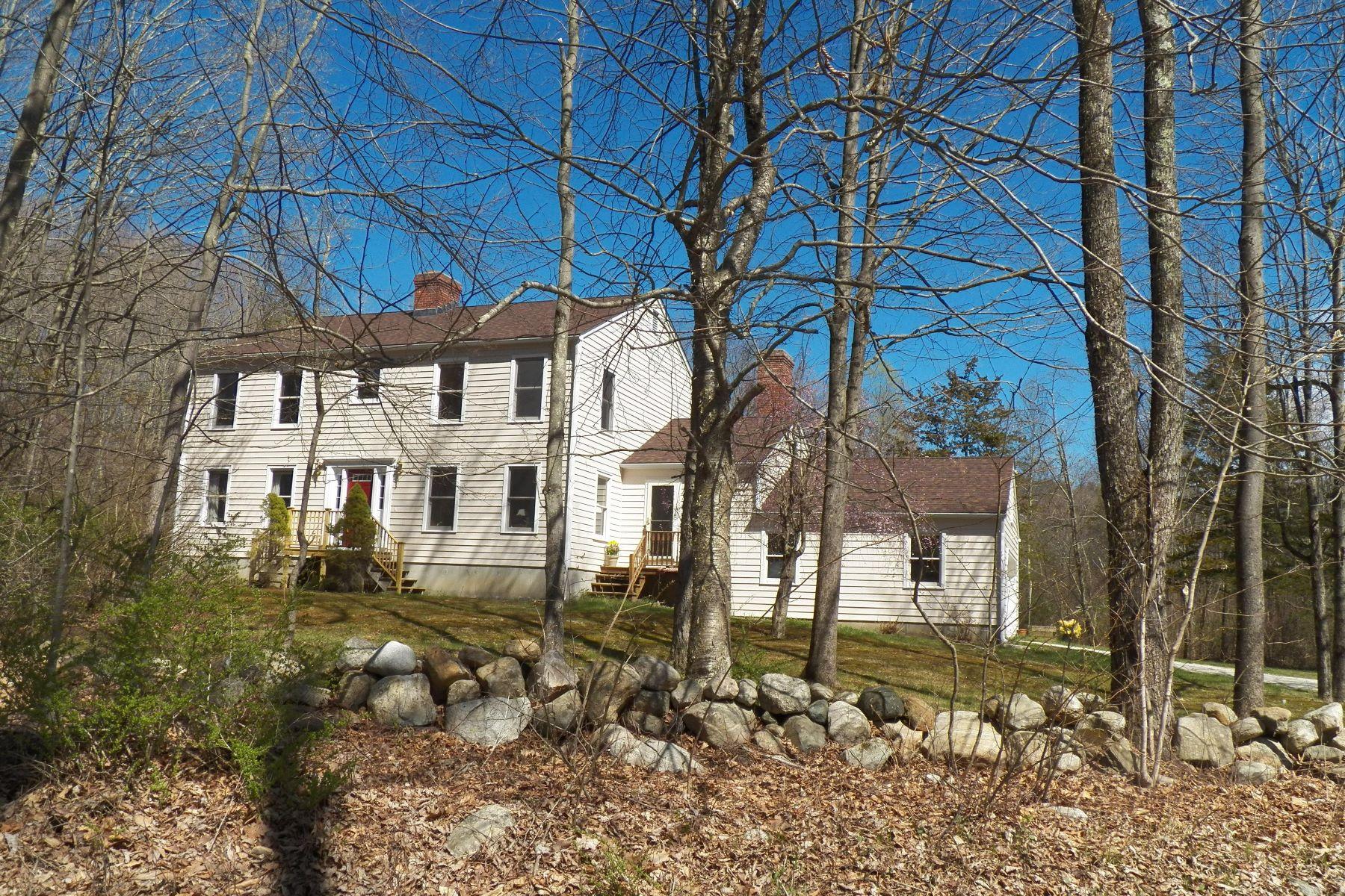 Casa Unifamiliar por un Venta en Affordable Country Colonial 24 Walker Brook Rd Washington, Connecticut, 06794 Estados Unidos