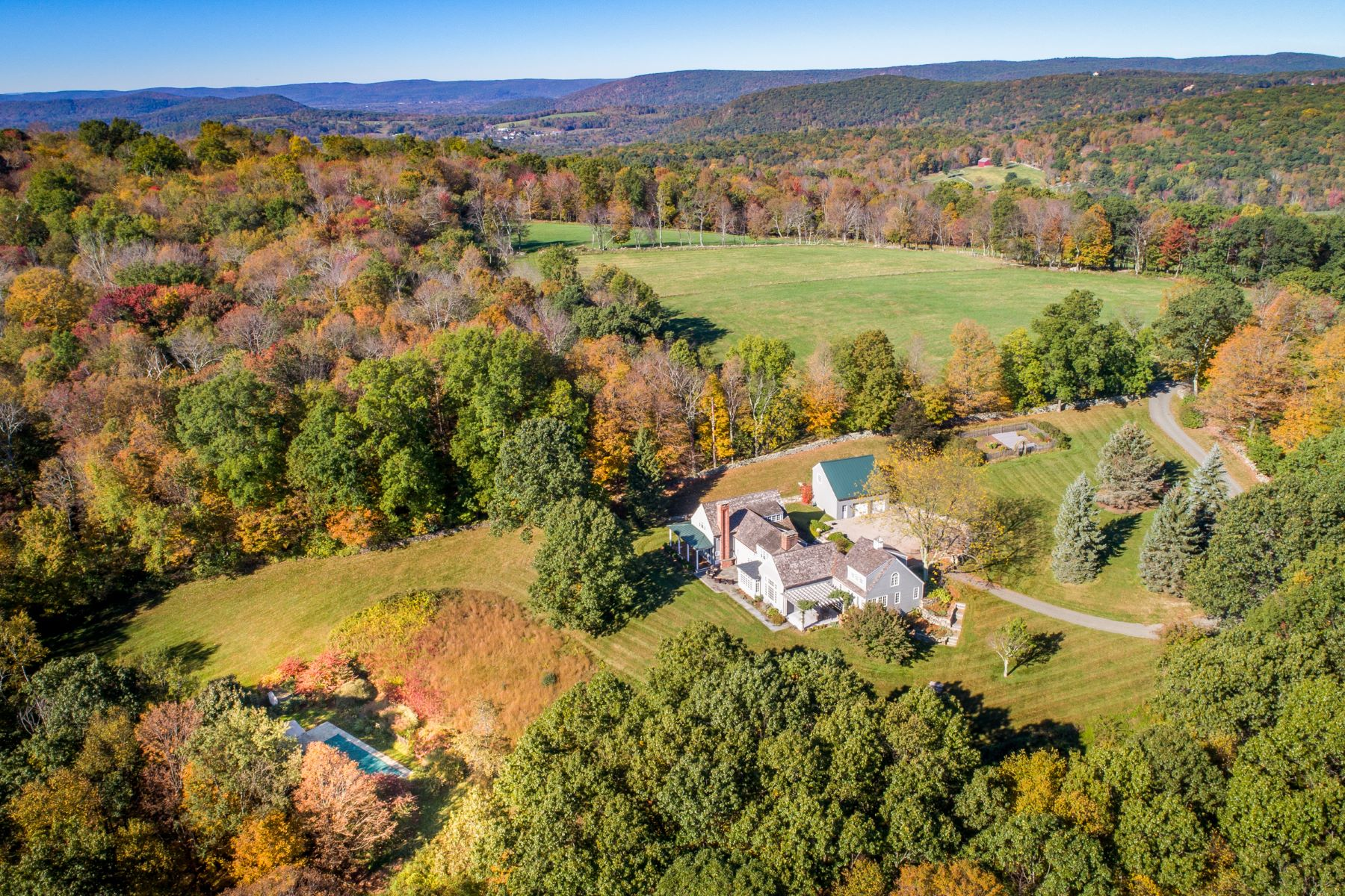 Single Family Home for Sale at Contemporary Elegance 152 Ore Hill Road, Kent, Connecticut, 06785 United States