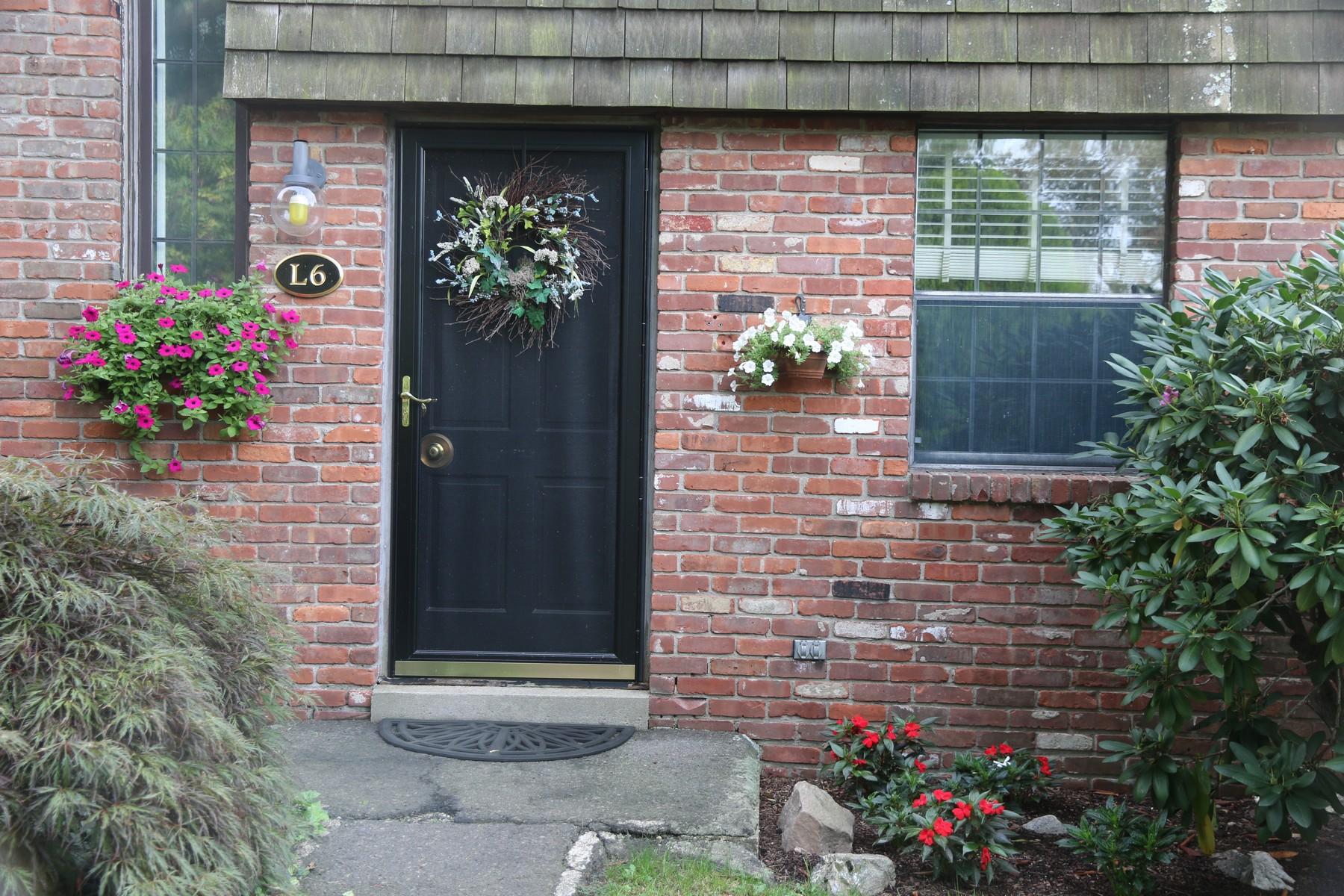 Eigentumswohnung für Verkauf beim Heritage Cove - Beautiful Waterfont Cono 85 River Rd L6 Essex, Connecticut, 06426 Vereinigte Staaten