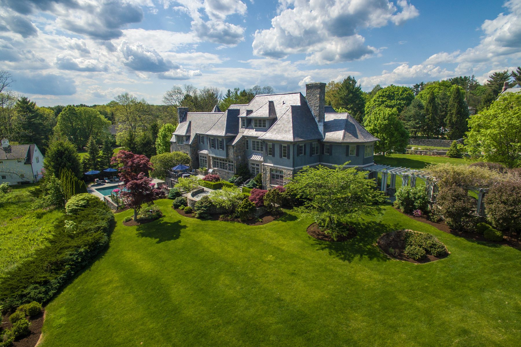 Casa Unifamiliar por un Venta en 36 Hemlock Hill Road New Canaan, Connecticut, 06840 Estados Unidos