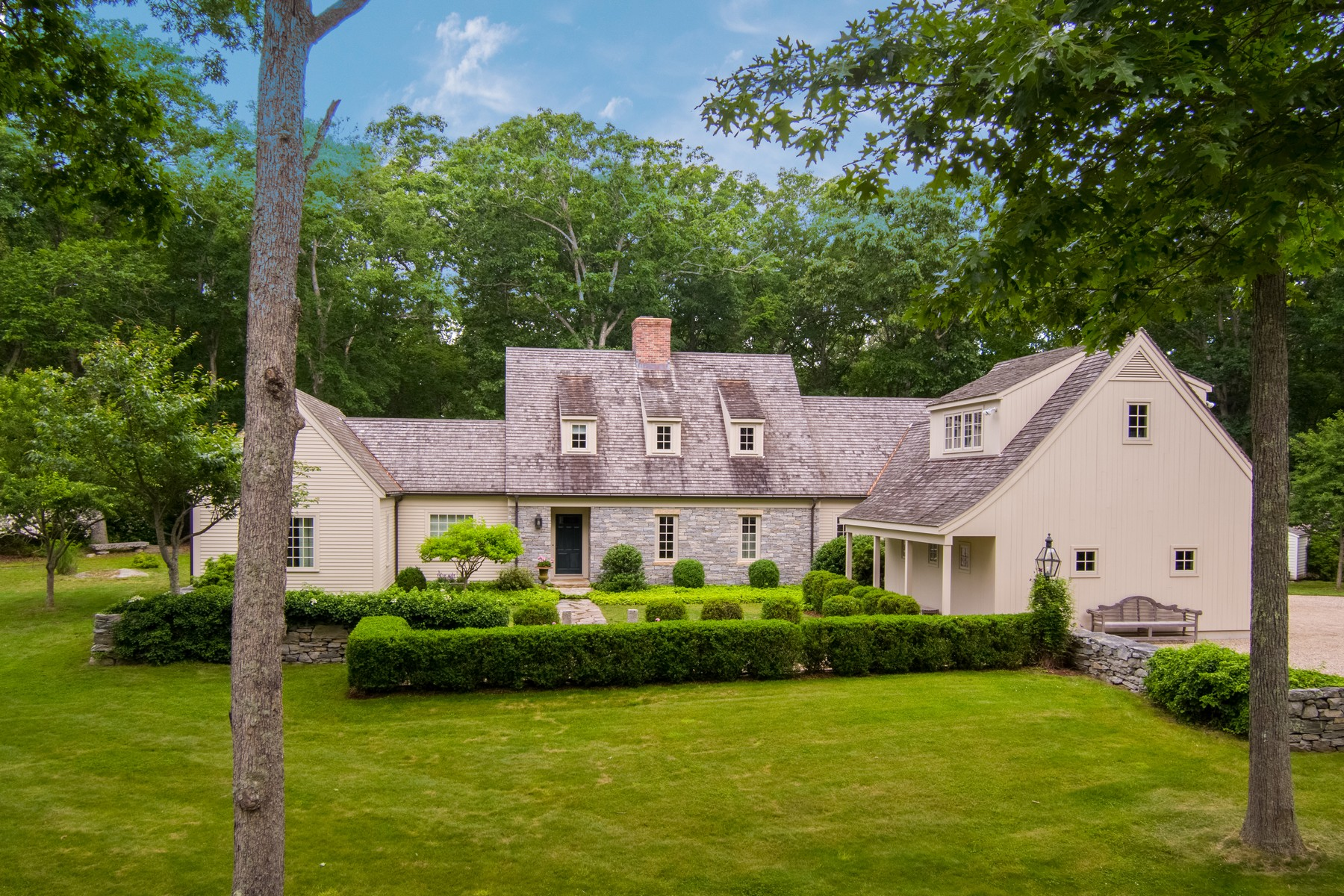 Single Family Homes のために 売買 アット A Sophisticated Country Home 30 Josie Perkins Lane, Lyme, コネチカット 06371 アメリカ